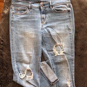 Distressed Lightwash Modern Crop LOFT Jeans Sz 8
